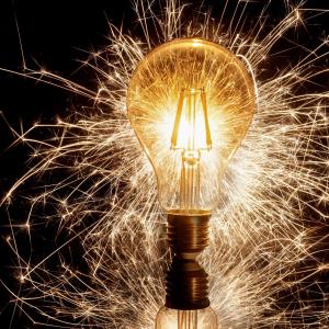 sparkler-4629347-1920.jpg