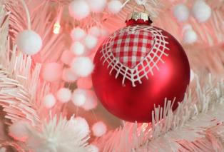 christmas-background-3846456-1920.jpg